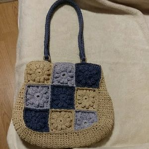 🌸NINE WEST Floral Crocheted handbag